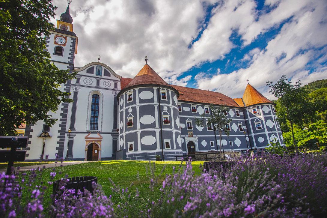 samostan-olimje-1091x727