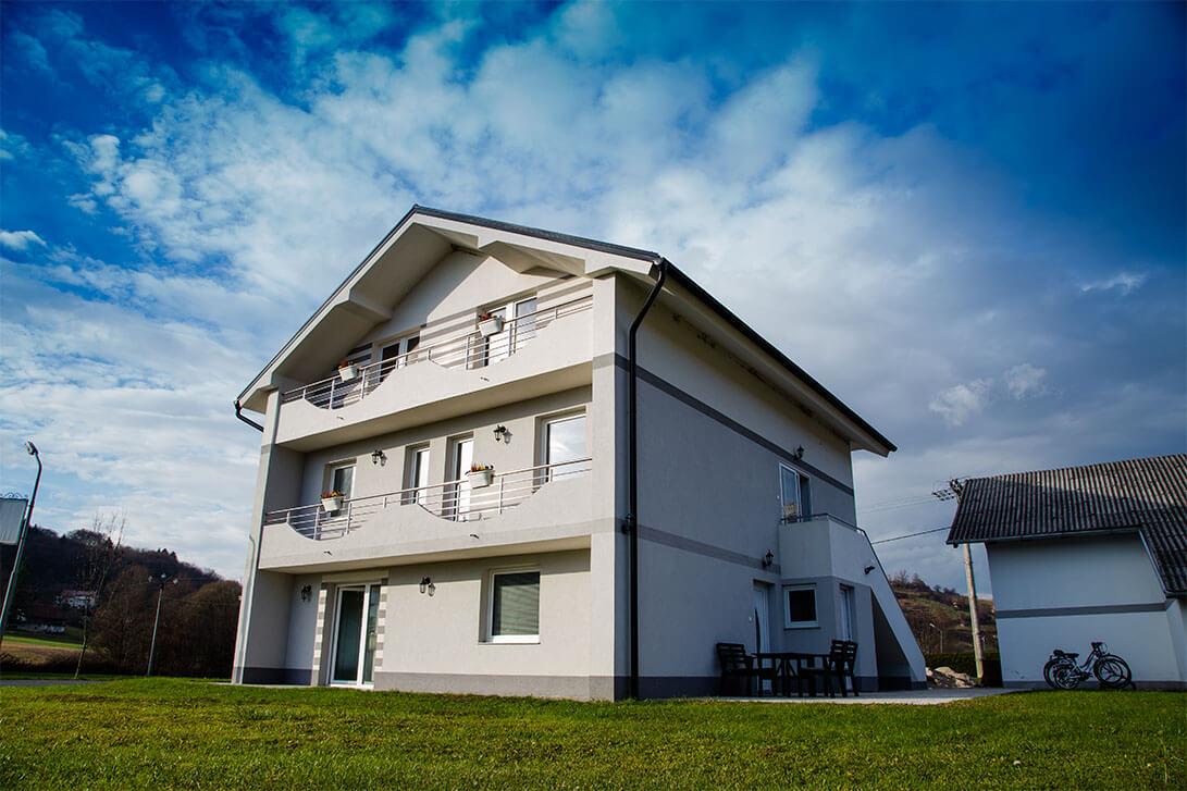 TIC-nastanitve-galerija-ApartmajiEma1-1091x727