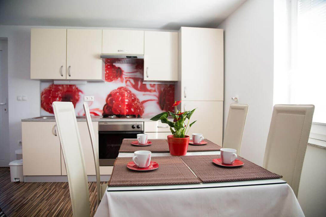 TIC-nastanitve-galerija-ApartmajiEma4-1091x727